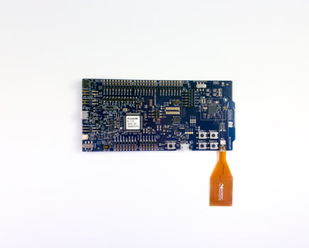 nRF52833 DK: Fig 2 - connecting antenna