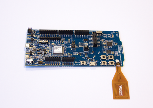 nRF52840 DK: Fig 2 - connecting antenna